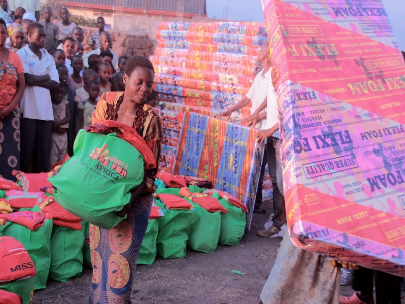 A woman moving a green gift bag (left). People lifting large sheets of Flexi Foam (right)